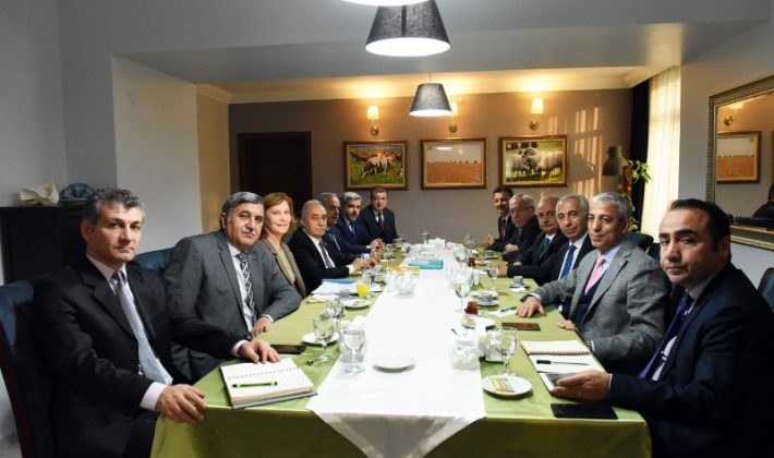 Rektörümüz Prof. Dr. Murat Erman, Gıda Tarım ve Hayvancılık Bakanı Ahmet Fakıbaba tarafından düzenlenen toplantıya katıldı.