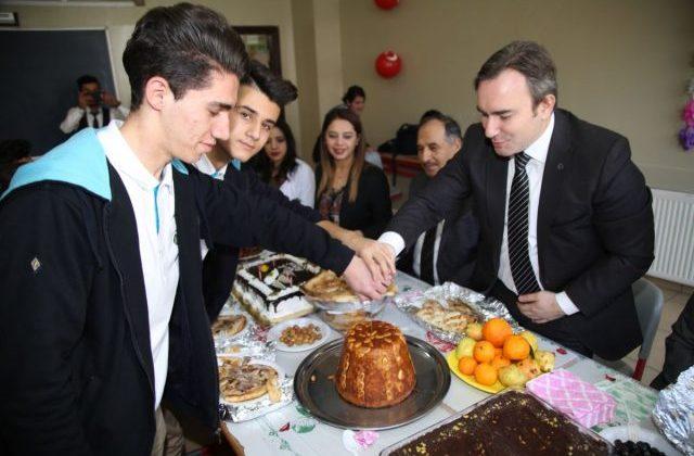 Başkan Taşkın Gençlerle Buluşmaya Devam Etti