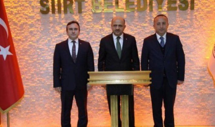 Başbakan Yardımcısı Fikri Işık Siirt Belediyesini Ziyaret Etti.