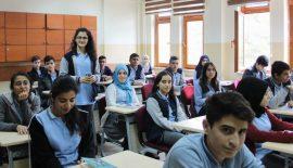 Siirtli Öğrenciler 5 Ülkedeki Kardeşleri İçin Harçlıklarını Bağışlıyor