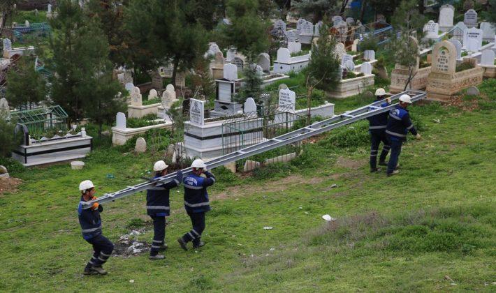 Mezarlıklarda Aydınlatma Çalışması Başlatıldı