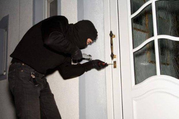 4 Ayrı Eve Giren Hırsız Tutuklandı.