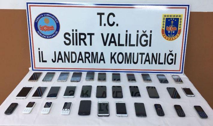 33 Adet Kaçak Cep Telefonu Ele Geçirilmiştir