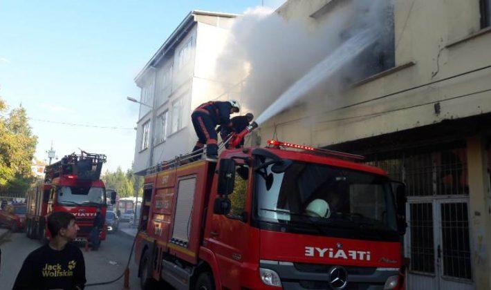 Siirt'te Bir Evde Yangın Çıktı 3 Yaralı