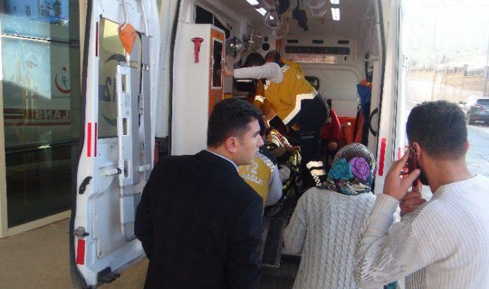 Siirt'te İki Ayrı Trafik Kazası 1 i Ağır 6 Yaralı