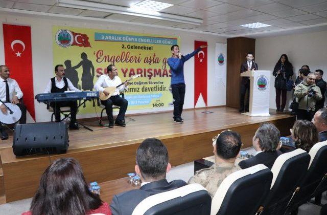 Siirt'te 2. Geleneksel Engelleri Aşta Gel Ses Ses Yarışması Düzenlendi