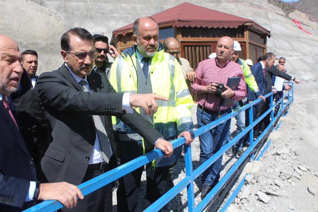 Enerji ve Tabii Kaynaklar Bakanı Dönmez, Siirt'te