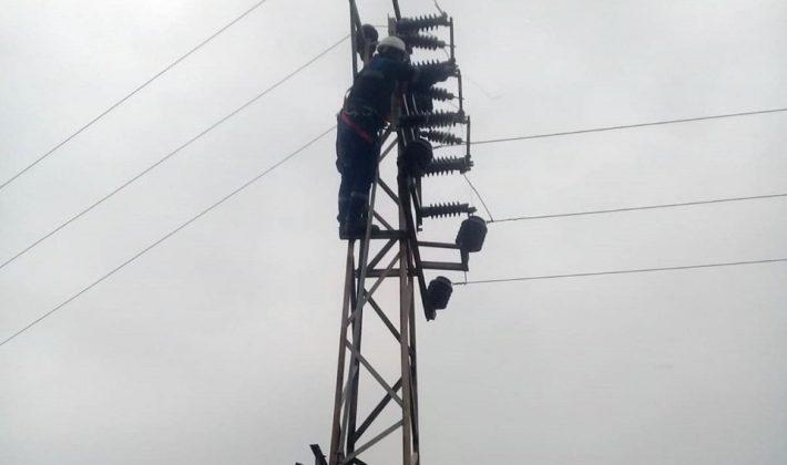 Olumsuz Hava Siirt'te Enerji Nakil Hatlarını Kopardı