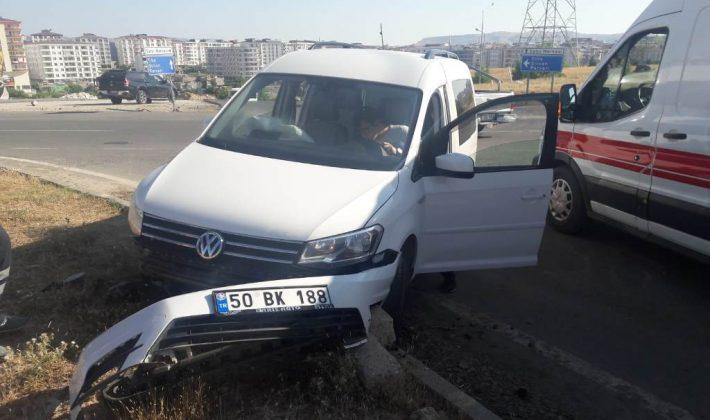 Siirt'te Trafik Kazası 3 Yaralı