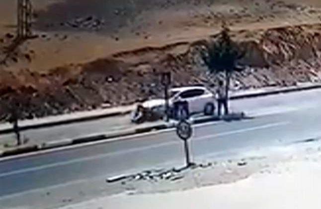 Otomobil Motosiklete Arkadan Çarpı 2 Yaralı