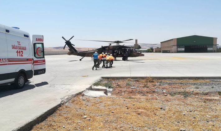 Askeri Helikopter Yaralı Çocuk İçin Havalandı