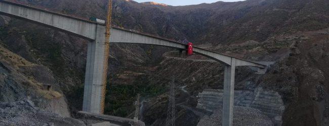 Türkiye'nin En Büyük Konsol Viyadüklü Asma Köprüsü Tamamlandı